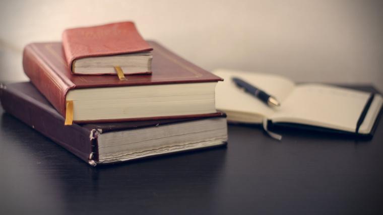 Adwokat rodzinny – kiedy warto skierować swoje kroki po poradę prawną?
